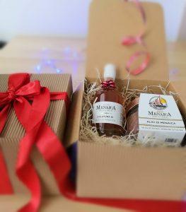 Regalo di Natale con Alici di Menaica Presidio Slow Food sfilettate in olio extravergine di oliva confezione in vetro da 250 gr. e Colatura di Alici di Menaica da 100 ml