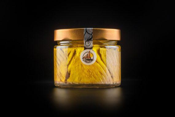 Ventresca di Tonno Alalunga in olio extravergine di oliva 250 gr. confezione in vetro. La parte più pregiata del Tonno, pochissimi pezzi vengono prodotti ogni anno.